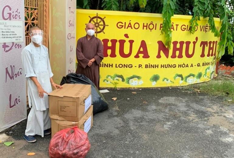 Đạo tràng chùa Viên Giác tiếp tục cúng dường đến 60 tự viện trong thời gian giãn cách xã hội