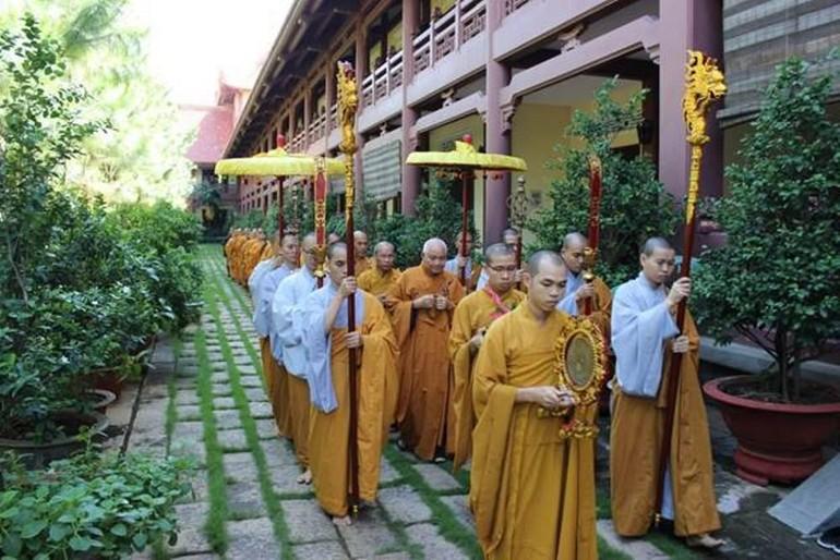 Cung thỉnh chư giới sư tại Đại giới đàn Đức Tạng (năm 2016) do Ban Trị sự Phật giáo tỉnh Ninh Thuận tổ chức