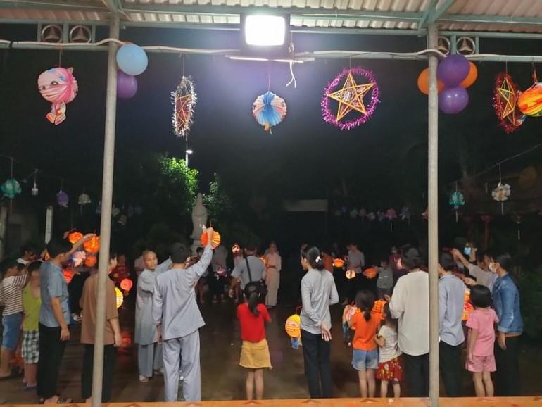 Tết Trung thu dành cho trẻ em ở chùa Phú Quang, TP.Tam Kỳ