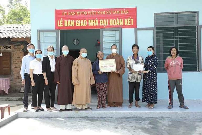 Ban Trị sự GHPGVN huyện Phú Ninh bàn giao ngôi nhà đại đoàn kết đến hộ nghèo