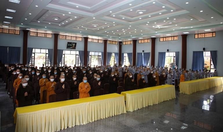 Hơn 200 Tăng Ni sinh Trường Trung cấp Phật học tỉnh Bình Định tham gia lễ khai giảng năm học mới