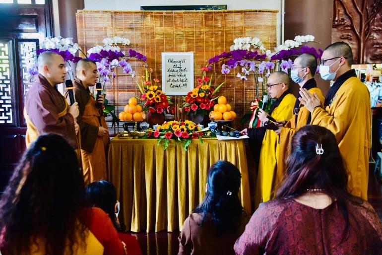 Lễ cầu siêu nạn nhân qua đời do dịch Covid-19 tại tu viện Khánh An, quận 12