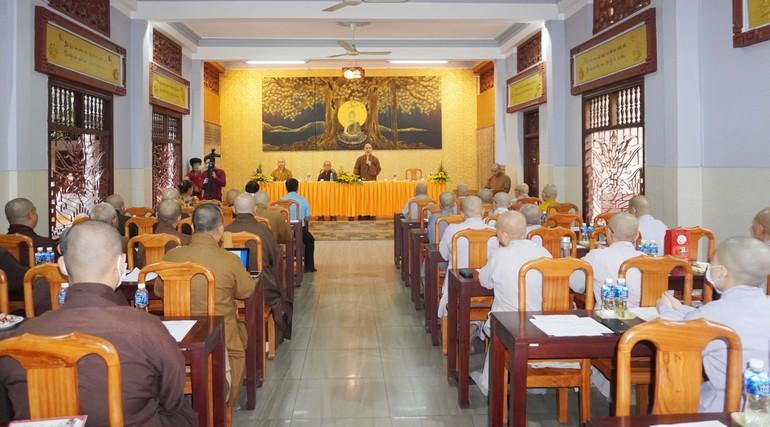 Chư tôn đức Tăng Ni họp mở rộng chuẩn bị Đại hội đại biểu Phật giáo quận 12