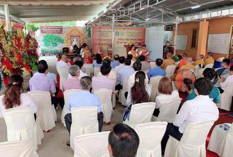 Chư tôn đức, chính quyền, Phật tử Khmer dự lễ