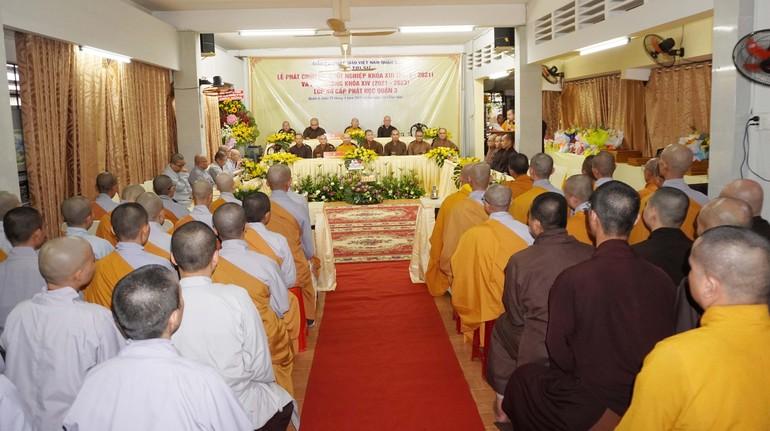 Lễ trao chứng chỉ tốt nghiệp Lớp Sơ cấp Phật học quận 3 khóa XIII