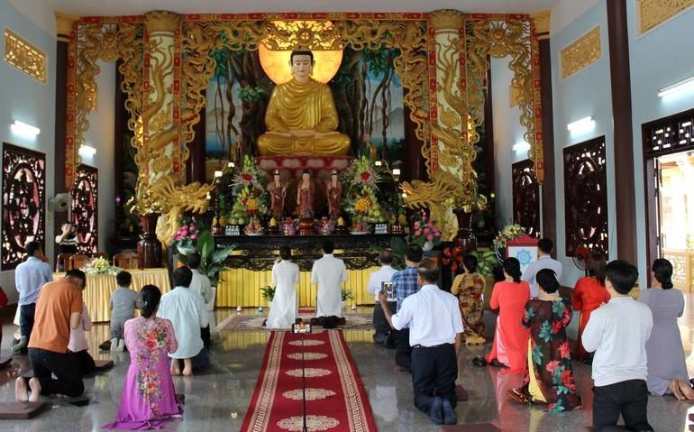 Lễ hằng thuận Phật tử tại chùa Thiên An