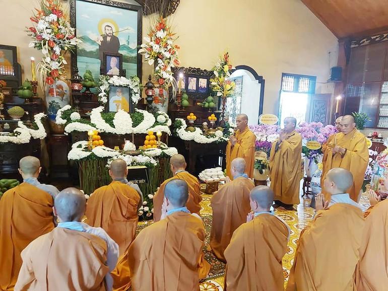 Lễ tưởng niệm lần thứ 7 Ni trưởng Thích nữ Như Hoa, tại chùa Vĩnh Phước - Ảnh: Huy Linh