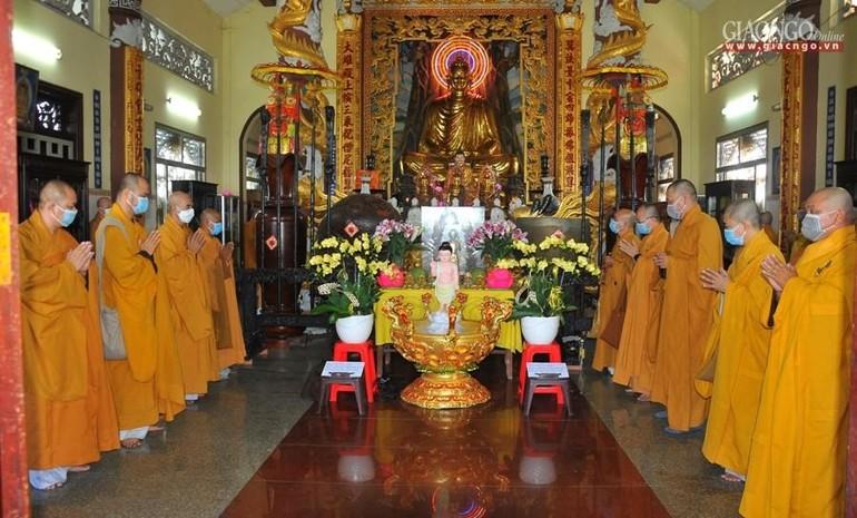 Chư Tăng Phật giáo huyện Củ Chi tác pháp An cư kiết hạ Phật lịch 2565 - Ảnh: Đức Minh