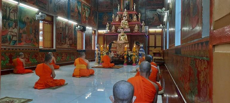 Chư Tăng chùa Candaransi bắt đầu mùa An cư Phật lịch 2565 - Ảnh: Hoàng Giang
