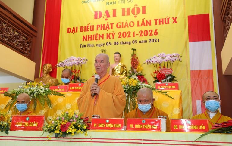 Hòa thượng Thích Thiện Xuân, Trưởng ban Trị sự quận Tân Phú phát biểu khai mạc phiên trù bị - Ảnh: Anh Quốc
