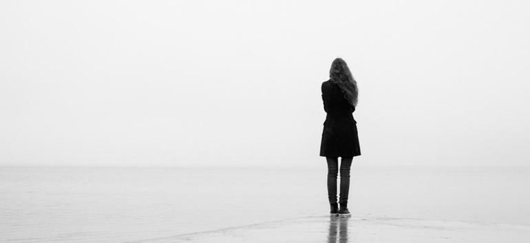 Một khi đánh mất chính mình, thì cũng có nghĩa chúng ta đã không có sinh mệnh thật sự.