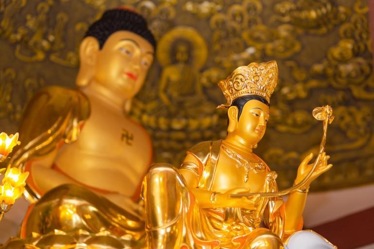 Tượng Phổ Hiền Bồ-tát, chùa Linh Bửu - Ảnh: Anh Quốc