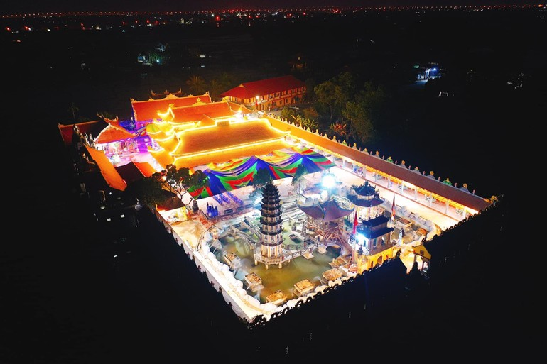 Toàn cảnh chùa Giữa Đồng