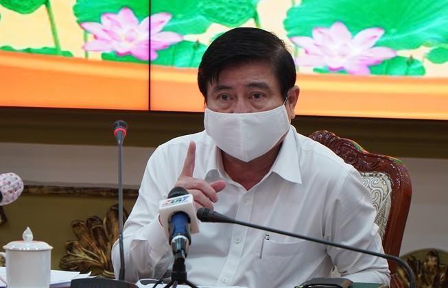 Chủ tịch UBND TP.HCM Nguyễn Thành Phong chủ trì cuộc họp Ban chỉ đạo chống Covid-19. Ảnh: Tá Lâm