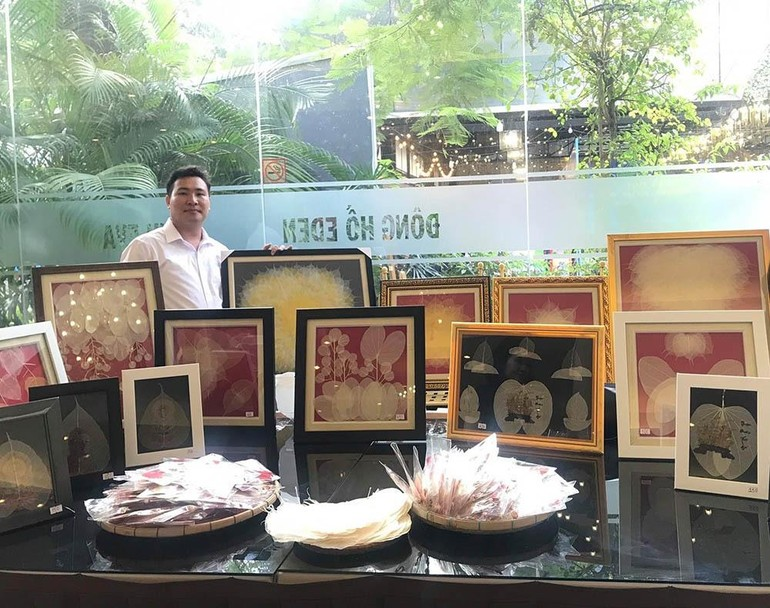 Duy Khánh cùng những tác phẩm làm từ chất liệu lá bồ đề