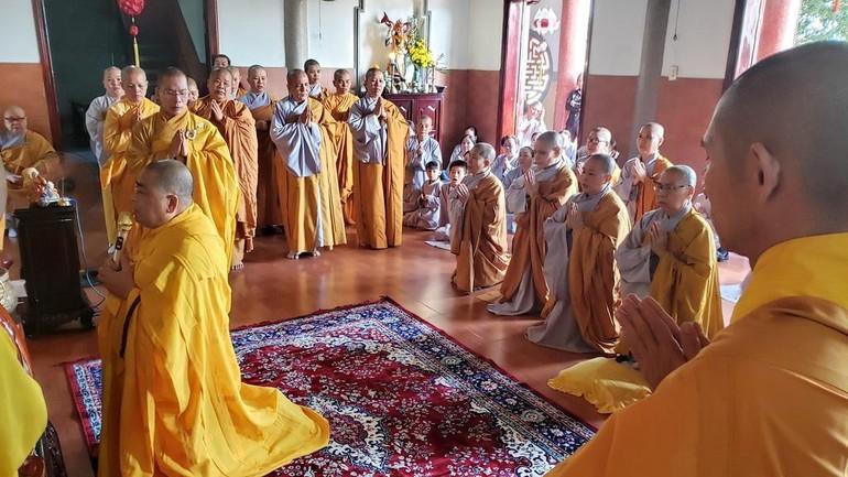 Chư tôn đức Tăng Ni trong lễ húy nhật Ni trưởng Thích nữ Như Tín