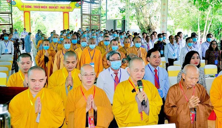 Nghi thức niệm Phật cầu gia hộ trước khi tiến hành đại hội