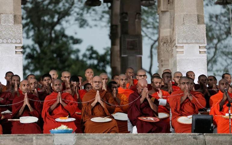 Sri Lanka: Chư Tăng cầu nguyện suốt đêm tại Colobom cho những người bị ảnh hưởng bởi Covid-19 trên toàn thế giới