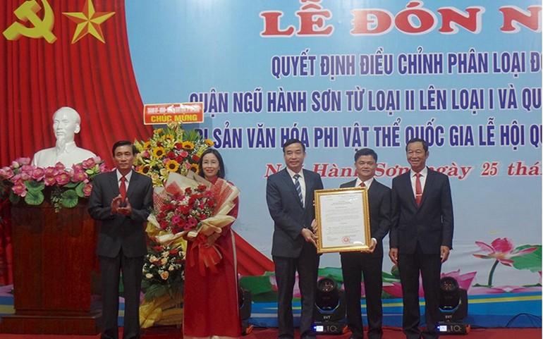 Quận Ngũ Hành Sơn đón nhận Bằng Di sản văn hóa phi vật thể quốc gia Lễ hội Quán Thế Âm - Ngũ Hành Sơn