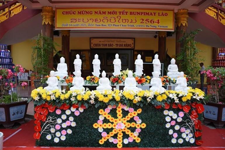 Chùa Tam Bảo chúc mừng năm mới - Tết Bunpimay của đất nước - nhân dân các bộ tộc Lào