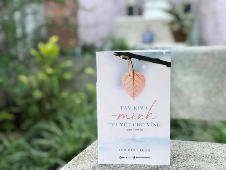 """Quyển sách """"Tâm kinh mình thuyết cho mình"""" vừa được NXB Dân Trí và Saigon Books tái bản có chỉnh sửa vào cuối tháng 3-2021"""