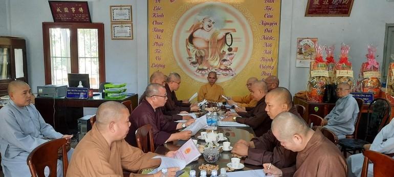 Chư tôn đức Tăng Ni tham dự phiên họp