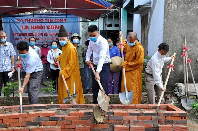 Khởi công xây dựng nhà cho gia đình chị Dương Thị Thương ở xã Thượng Yên Công (TP.Uông Bí)