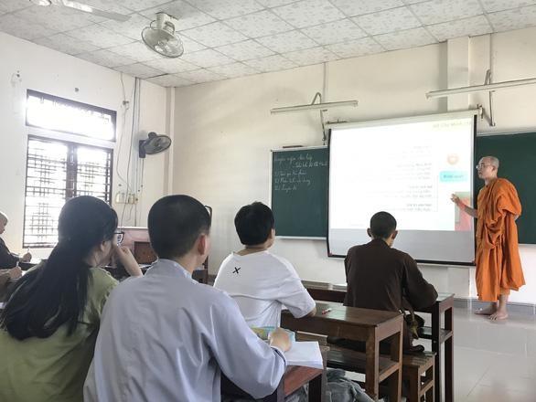 Vị sư luyện thi môn Ngữ văn Trung học Phổ thông miễn phí