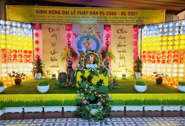 Lễ đài Phật đản trang nghiêm tại chùa Phước Ân
