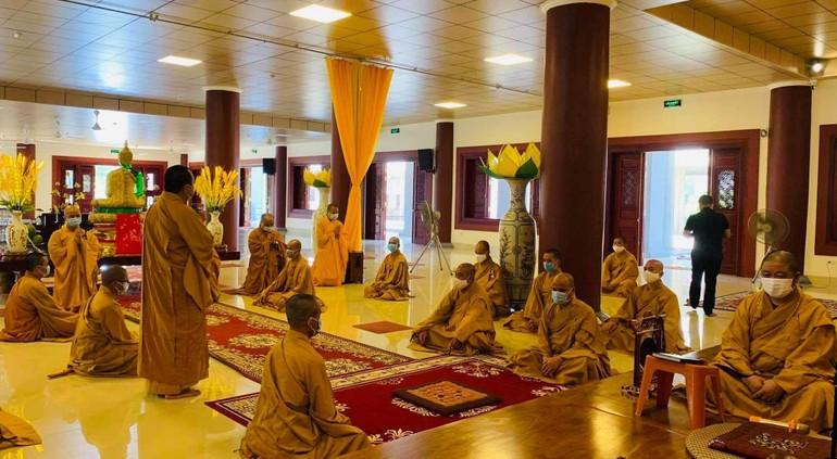 Chư Tăng tác pháp an cư tại chùa Diệc vào sáng nay 1-6