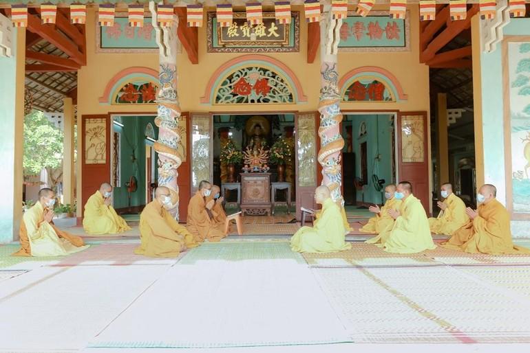 Chư Tăng huyện Phú Ninh làm lễ tác pháp an cư tại chùa Minh Cẩm