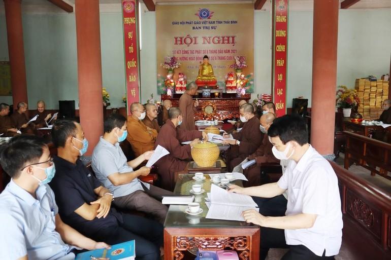 Toàn cảnh hội nghị diễn ra tại chùa Thánh Long, sáng 6-7