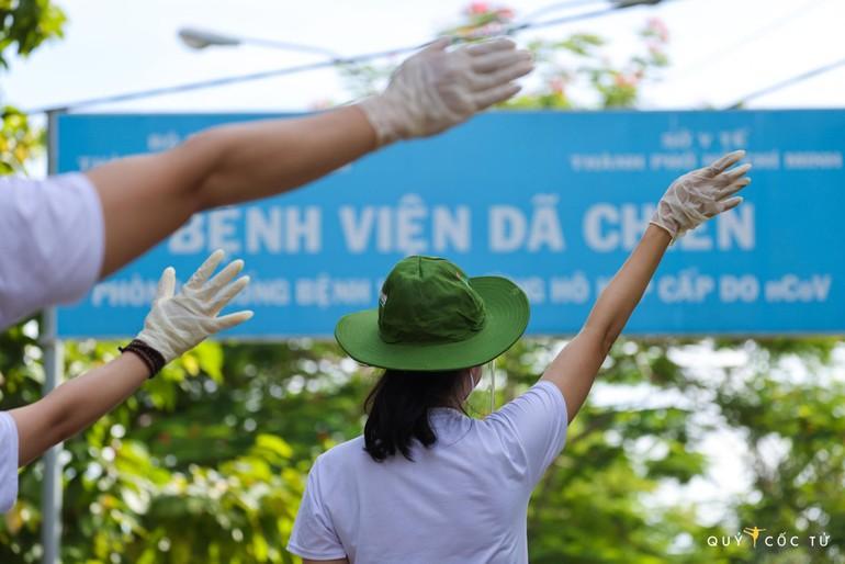 Cùng chung tay vượt qua đại dịch - Ảnh: Ngô Trần Hải An