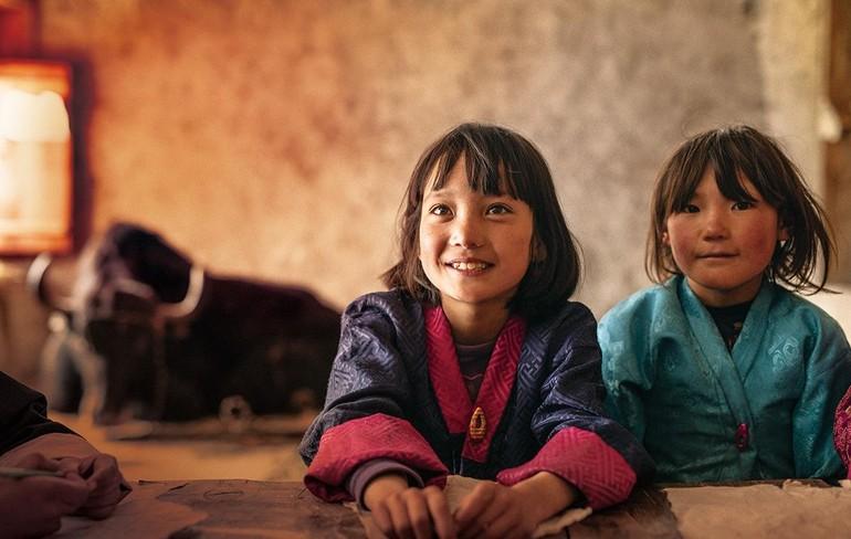 Ánh mắt tỏa sáng của những đứa trẻ Lunana