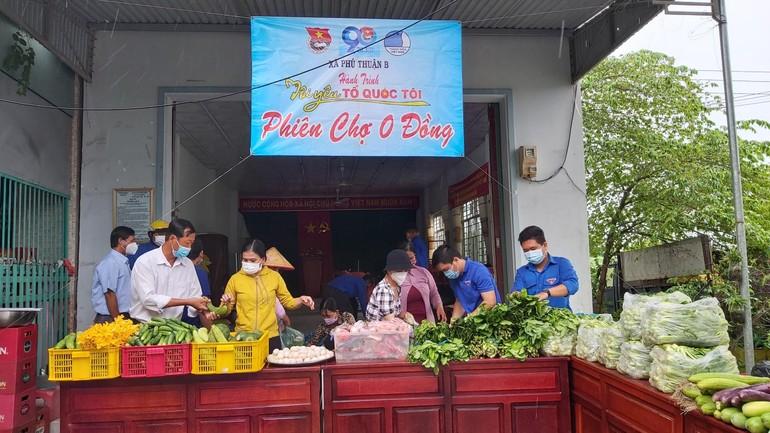 Phiên chợ 0 đồng, chỉ có người bán tại xã Phú Thuận B, huyện Hồng Ngự, Đồng Tháp