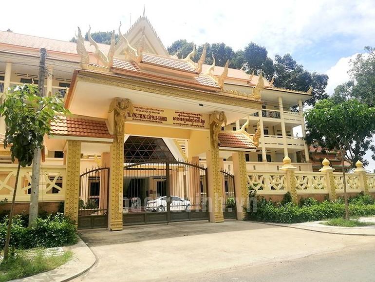 Khu cách ly tập trung số 3 tại Trường trung cấp Pali-Khmer Trà Vinh