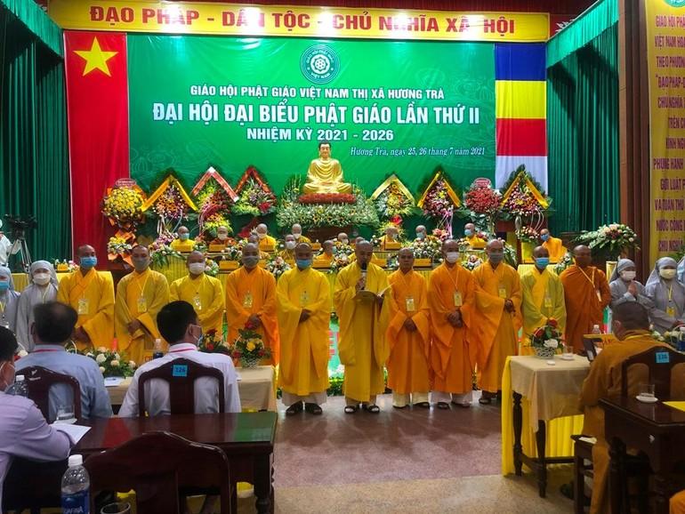 Tân Ban Trị sự Phật giáo thị xã Hương Trà nhiệm kỳ 2021-2026 ra mắt và phát biểu nhận nhiệm vụ tại đại hội