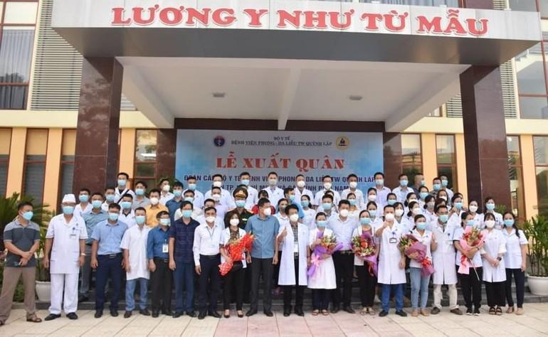 Đoàn công tác của Bệnh viện Phong - Da liễu Trung ương Quỳnh Lập lên đường vào TP.HCM và các tỉnh, thành phía Nam hỗ trợ chống dịch