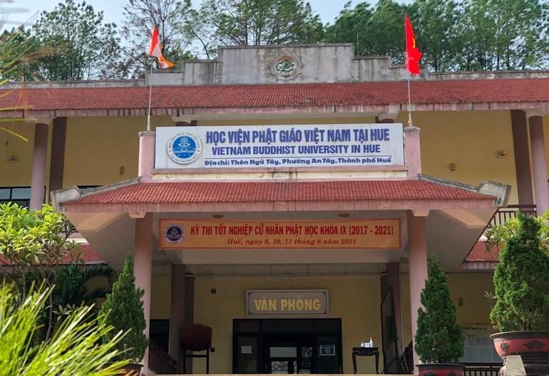 Kỳ thi tốt nghiệp được tổ chức tại cơ sở 2 Học viện Phật giáo VN tại Huế (phường An Tây, TP.Huế)