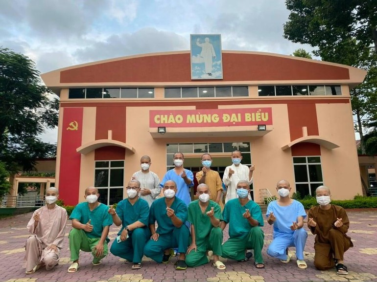 Tình nguyện viên Phật giáo tại Bệnh viện Hồi sức cấp cứu Covid-19