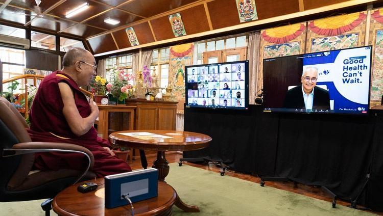 Đức Dalai Lama nói về vai trò của từ bi trong việc chăm sóc sức khỏe