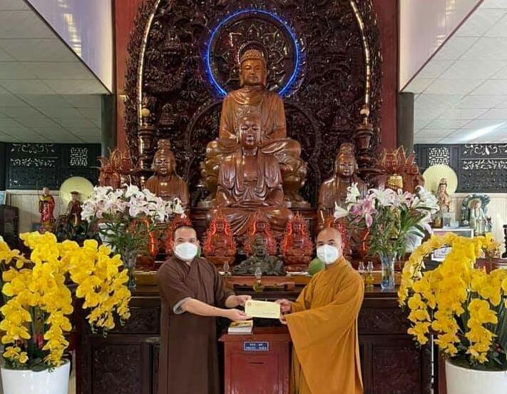 Chùa Phật Bửu thăm và cúng dường 15 ngôi chùa nhân mùa Vu lan Phật lịch 2565