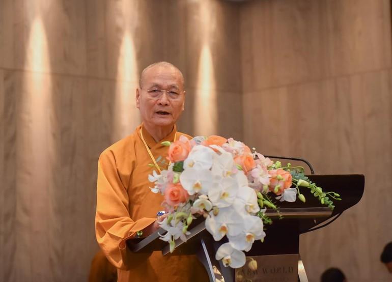 Hòa thượng Thích Hải Ấn, Bác sĩ Y khoa, Viện trưởng Học viện Phật giáo VN tại Huế
