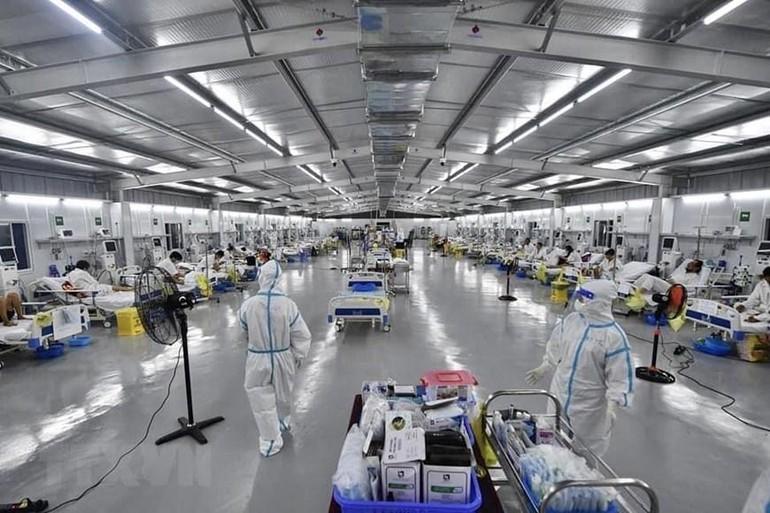 Trung tâm Hồi sức tích cực Covid-19 Bệnh viện Việt Đức tại Bệnh viện Dã chiến 13 (huyện Bình Chánh, TP.HCM) - Ảnh: TTXVN
