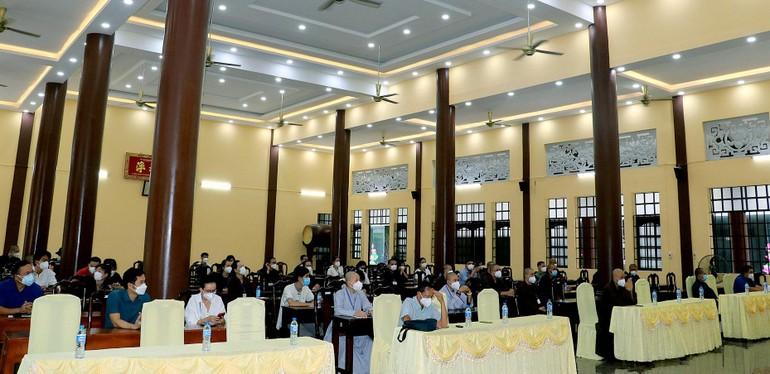 Lễ sơ kết công tác hỗ trợ tuyến đầu chống dịch của đội tình nguyện viên Phật giáo tỉnh Bình Dương