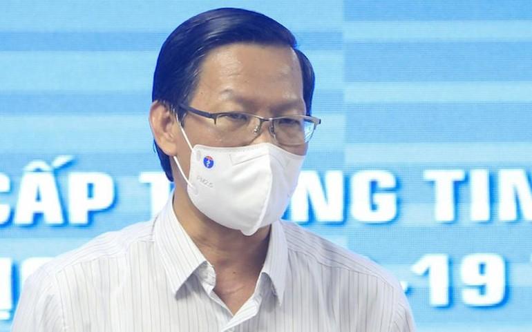 Chủ tịch UBND TP.HCM Phan Văn Mãi tại buổi họp báo chiều 13-9 - Ảnh: Hữu Công