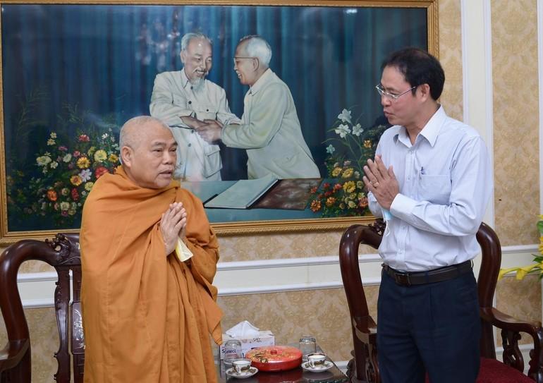 Hòa thượng Thích Giác Toàn và ông Nguyễn Thành Trung