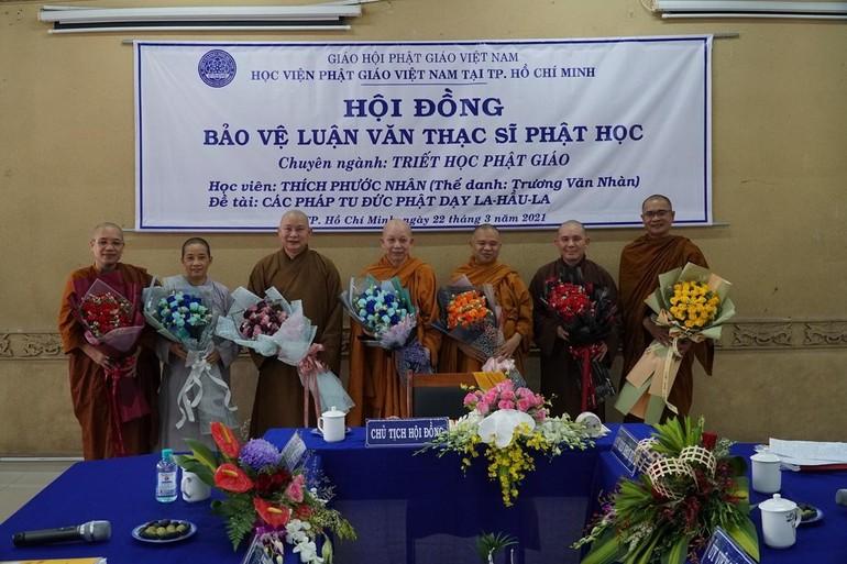 Chư Tăng Ni là người hướng dẫn cho các học viên trong chương trình đào tạo thạc sĩ Phật học thuộc Học viện Phật giáo VN tại TP.HCM