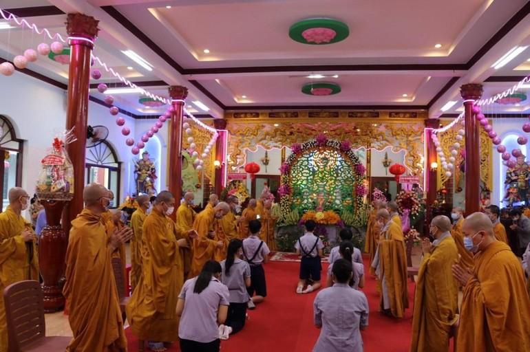 Lễ Phật đản tổ chức trang nghiêm tại chùa Giác Nguyên - Ảnh: Ban TT-TT Phật giáo H.Hóc Môn