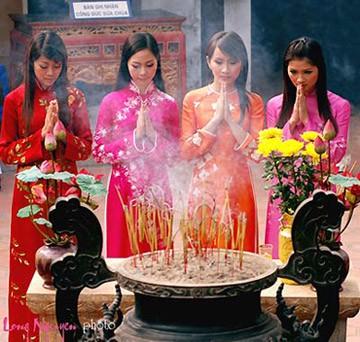 Lễ chùa đầu xuân
